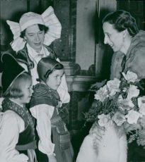 Louise Mountbatten visits Martha's opera evenings in favor of the Norrlands children