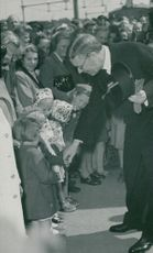 Stora Kopparbergs Bergslag's 600th anniversary. The Crown Prince greets the children at the train station