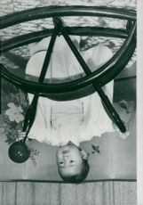 Princess Nuro becomes one year, here in the Togupalatset dressed in mini-kimono and playing with a swing