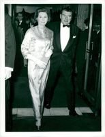 """Jack Hawkins with his wife at the premiere of """"Casino Royale"""""""