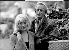 Paul Hogan and Linda Kozlowski