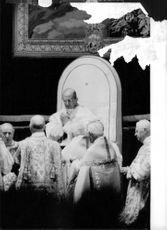 Pope Paul VI hands joint.