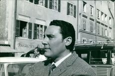 Mario Del Monaco looking at something. 1960