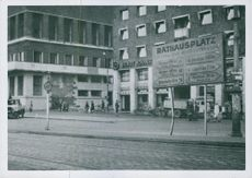 Tordenskjolds place has been renamed Rathausplatz by the Germans in Oslo, 1943.