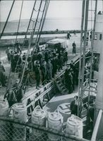 Soldiers gathered in the port while standing during Denmark War.
