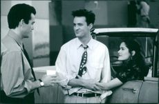 Jon Tenney, Matthew Perry and Salma Hayek in the film Fools Rush In, 1997.
