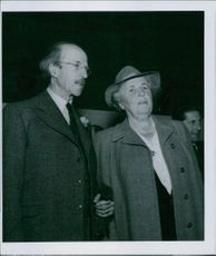 A photograph of Natanael Beskow and Elsa Beskow.