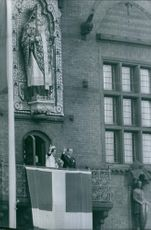 Princess Benedikte of Denmark and Richard, 6th Prince of Sayn-Wittgenstein-Berleburg waves to the crowd from the balcony. 1968.