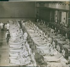 Wounded patients lying on the bed in the hospital during Tyskland war, 1914.