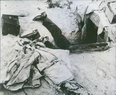German killed in air raid in desert, 1943.