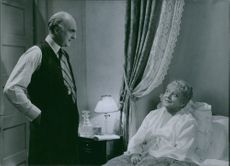 """A scene from the movie """"The family secret"""" -  a Swedish comedy film from 1936 , directed by Gustaf Molander . 1936"""