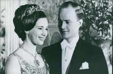 Richard, 6th Prince of Sayn-Wittgenstein-Berleburg, looking at Princess Benedikte of Denmark.