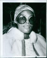 Close up of American singer, actress and TV-show host Dionne Warwick