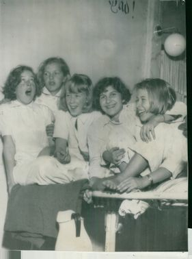 The picture shows the girls ready to go to bed at the pulpit in Stenjos mission house.
