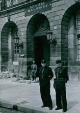 Before the Ministry of Justice: A German post and -pariser police called the service provided