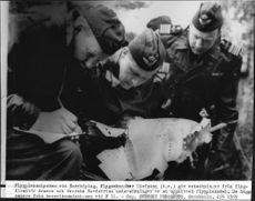 The aircraft accident at Norrköping makes Flygmek. Olofsson notes from flight dads. Arman's and Colonel Nordström's investigations of a heated aircraft part