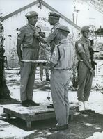 Swedish former UN-officer, Stig Berglund, receiving a UN medal from Colonel Lars Laven in 1968.
