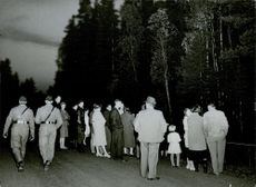 A crowd of people gathered at the crime scene of the murder of  Ingrid Nyström. 1959