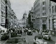 A partial view of the streets in London. 1954.