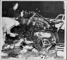 Criminal assistant Åke Hägg investigates a fully demolished passenger car after a gas explosion in its tailgate