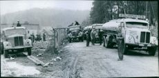 Tank cars in queuing to remove oil from the crustacean cisster
