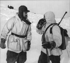 Policemen show Björnfjell who sought Elisabeth Rosengren but found her deceased by cold in a cave