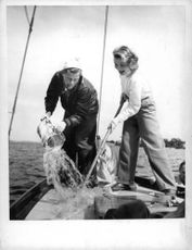 Sture Lagerwall with his wife, Guje Sjöström working on a boat.