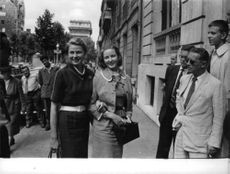 Pia Lindström with woman.