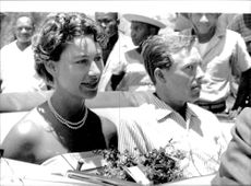 Lord Snowdon gifter om sig