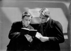 Alf Kjellin and Peter Hoglund in a scene from the film Gläd dig i din ungdom, 1939.