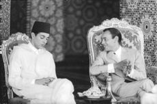 King Hassan II of Morocco with his brother Prince Moulay Abdallah sitting togetehr and gossiping