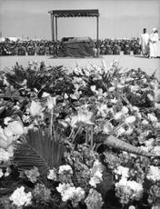 Hundreds of flowers offered during the funeral of Mohammed V.