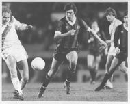 Hinshelwood and Steve McKenzie are fighting for the ball