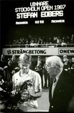 Stefan Edberg is congratulated by Prince Bertill for the victory in Stockholm Open 1987