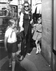 David Niven's daughter Hjördis with her two daughters.
