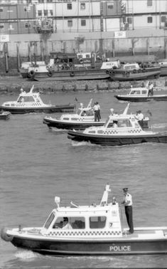 Police boats seek Thamsen after accident victims