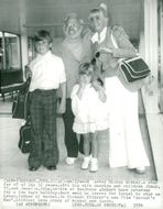 Mickey Rooney with her wife Carolyn and the children Jimmy and Jonelle arrive at Heathrow airport for a few days of vacation