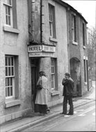 Jenny Jones. Very old English pub with hotelldel