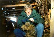 """The author Stefan Edman with a hedgehog in the """"Back to Nature"""" program on TV3"""
