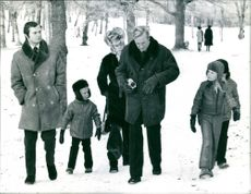 Crown Prince Carl Gustaf, Hubertus, Princess Birgitta, Hansi, daughter Desirée and the hidden son Carl Christian in Drottningholmsparken