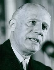 A photo of Raoul Salan looking and talking. 1962