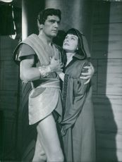 "Edmund Purdom and Jeanne Crain in a scene from the 1961 Italian Sword-and-sandal historical drama, ""Nefertiti, Queen of the Nile""."