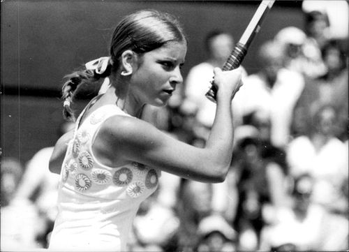 Portrait image of 18-year-old Chris Evert, USA.