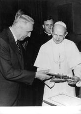 Pope Paul VI with Edward Gierek, the Polish leader.