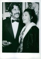 """Chaim Topol and his vife Galia at premium of """"FIDDLER ON THE ROOF"""" 30 Nov 1971"""