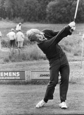 Portrait of golfer Bill Byman in action