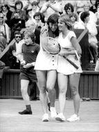 Martina Navratilova and Chris Evert after their match in Wimbledon in 1978