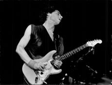 Mark Knofler from the Dire Straits music group