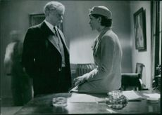 Sigurd Wallen and Gull-Maj Norin in a scene from the film Karl Fredrik regerar (Karl Fredrik reigns), 1934.