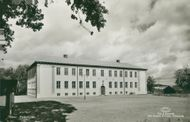 Sater. Elementary school. Postcard black and white